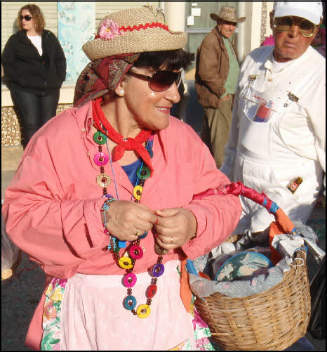 photo woman in algarve carnival
